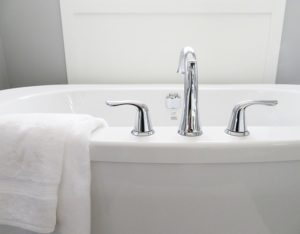 3 Signs it's Time for a New Bathtub